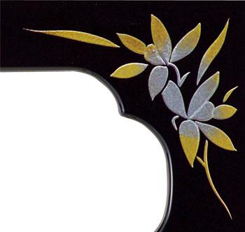 仏膳[朱(フチ金)]蒔絵蘭(サイズ3種類)の写真