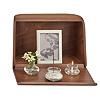 やさしい時間 祈りの手箱【ブラウン】[ガラス製三具足・写真立・線香・灰・ローソクが付属]の写真
