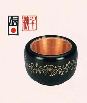 筒型香爐 黒塗菊唐草沈金[3.5寸 漆塗(堅地仕上)桐箱入]の写真