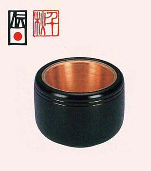 筒型香爐 干筋タメ漆[3.5寸 漆塗(堅地仕上)桐箱入]の写真