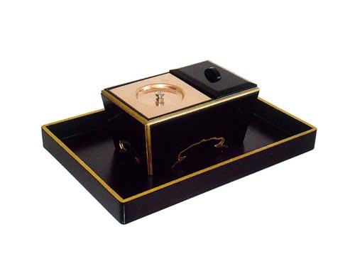 角香炉セット【黒塗渕金塗】(オトシ蓋付)の写真