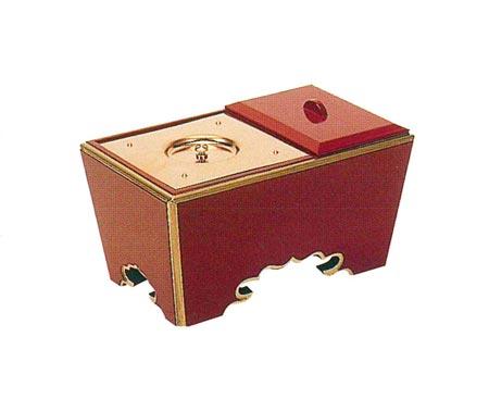 角香炉[朱塗渕金箔押](オトシ蓋付)サイズは4種類の写真