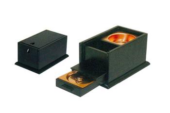 蓋付角香炉[オトシ蓋付] 幅5寸(欅調・黒檀・紫檀)の写真