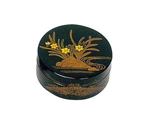 冬・水仙(すいせん) 木質ワンタッチ式塗香合 2.7寸[黒塗][紙箱入]の写真