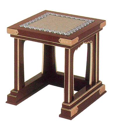 導師用椅子[朱塗面金箔押][金具付]の写真
