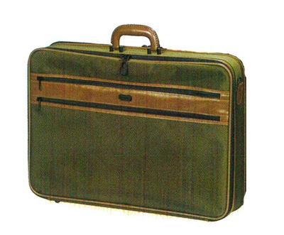 特製法衣カバン[カーキ色又は紺][箱入](サイズは2種類)の写真