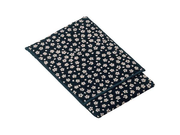 印伝調かつら念珠袋[小桜黒]の写真