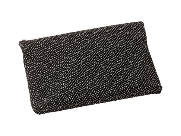 印伝調ファスナーバッグ[サヤ 黒](サイズは3種類)の写真